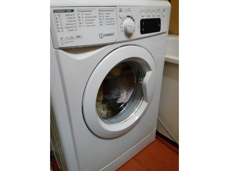 Стиральная машина Indesit E2SE 2150W описание